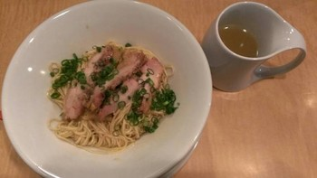 「Japanese Soba Noodles 蔦」料理 639058 鶏油そば第6の旨味油そば800円