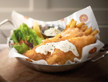 「The Manhattan FISH MARKET」料理 668105 Fish n Chips Cherry Snapper
