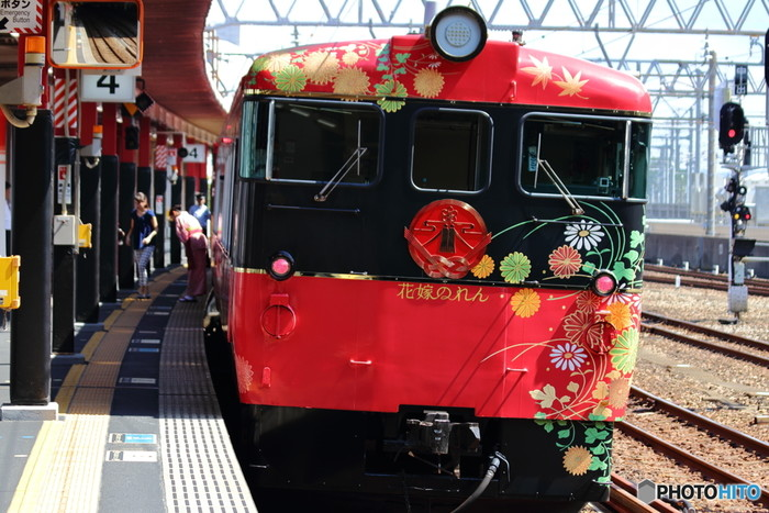 JR西日本 「七尾線観光列車 花嫁のれん」 in 北陸932514