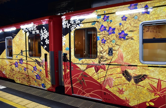 JR西日本 「七尾線観光列車 花嫁のれん」 in 北陸932516