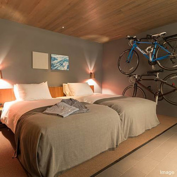 HOTEL CYCLE1202415