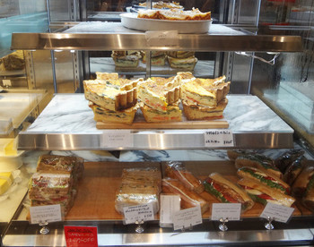 3. DEAN & DELUCA CAFES 丸の内(ディーン & デルーカ) 1322477
