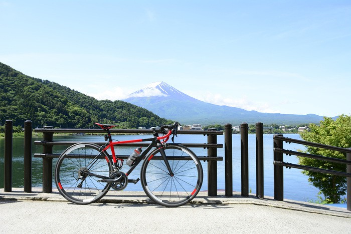 ride a bicycle in Mt Fuji kawaguchiko